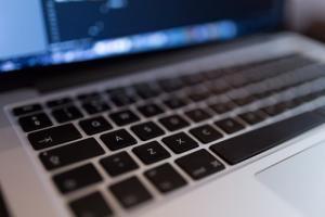 Z jakimi problemami mogą zetknąć się prowadzący e-biznes?